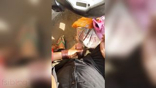 Muslim aunty engulfing knob of stranger roadside