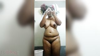 Mallu wife bare baths movie scene goes live