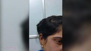 Marathi bhabhi pussy fingering Desi MMS