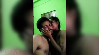 Cute pair nude MMS foreplay sex clip