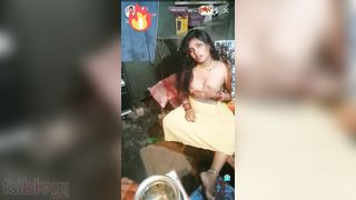 Bihari bhabhi boob show live to her fans