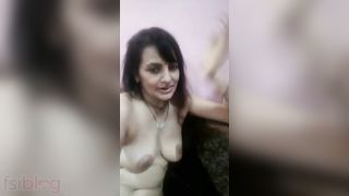 Older aunty in nature's garb MMS movie scene made for her secret bf