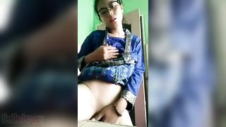 Cute gal fingering bawdy cleft on selfie cam episode
