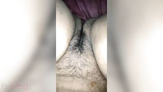 Plump wife engulfing fucking Desi MMS video