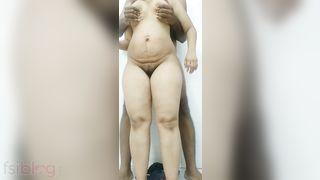 Desi lascivious housewife sex in baths video