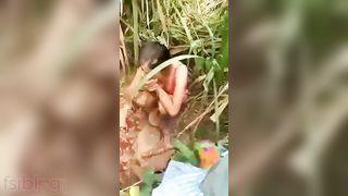 Beautiful Dehati beauty sex with her boyfriend outdoor