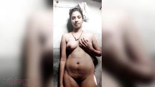 Hawt Desi girl exposed MMS selfie movie