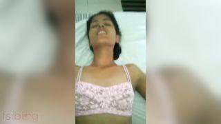 Cute amateur Indian beauty sex with her boyfriend