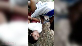 Bihari 3some sex outdoors MMS movie