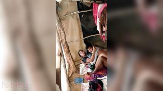 Indian slum pair caught fucking on voyeurs web camera