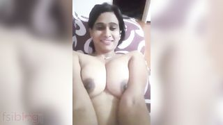 Indian HOTTIE exposed MMS clip to stimulate your sex nerves