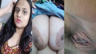 Indian busty beauty fingering love tunnel selfie clip