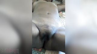 Tamil aunty wet crack show to her WhatsApp bf episode