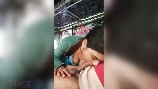 Local Desi Randi oral job to a truck driver MMS