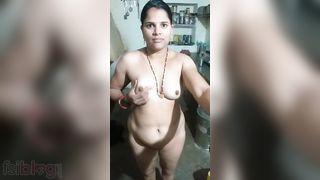Explosive hot beautiful Indian naked selfie episode