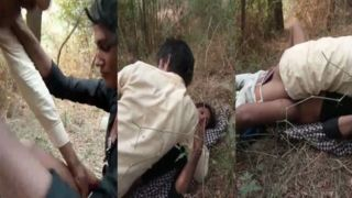 Indian gypsy cutie sex with car driver and his friend