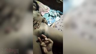 Painful Desi wet crack fingering MMS episode