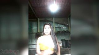Big booby village girl nude MMS clip