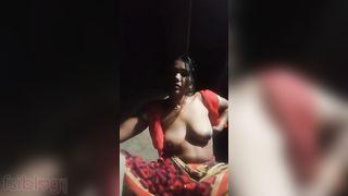 Sexy village Bhabhi striptease Dehati hawt video