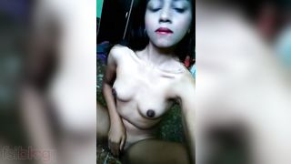 Horny Indian girl hot twat porn clip