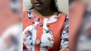 Tamil cutie slit masturbating for lover MMS video