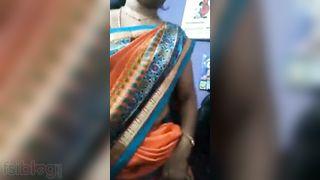 Desi Bhabhi pussy selfie non-professional episode