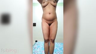 Booby wife nude show for her facebook lover