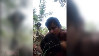 Desi lover outdoor sex in the centre of deserted land