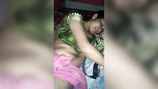 Indian shy beauty pussy show to her lover on webcam