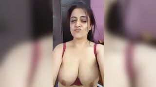 Indian large boob selfie episode of a busty aunty