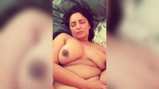 Obese Pakistani fur pie porn clip for aunty lovers