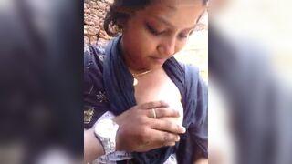 Mallu boob engulfing outdoors sex MMS