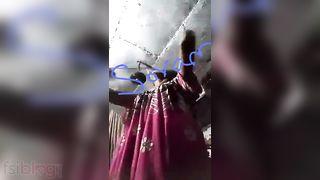 Small tits Desi wife striptease MMS selfie video
