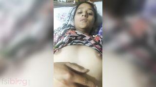Hawt Dehati teen pussy show MMS video