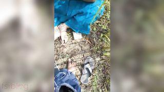 Telegu floozy engulfing dick of her customer outdoors