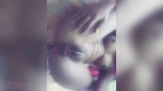 Nude Indian Teen girlfriend naked MMS episode