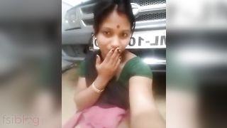 Indian maid making sexy XXX video near boss car