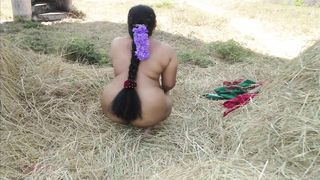 Indian sexy aunty ass pussy show XXX video outdoors
