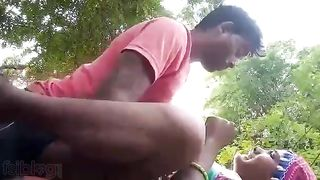Private video leaked truly realistic indian outdoors sex