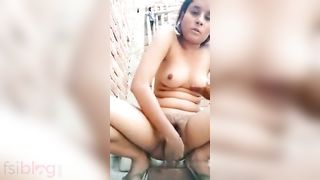 Sex hungry lonely indian aunty rod masturbation in ass