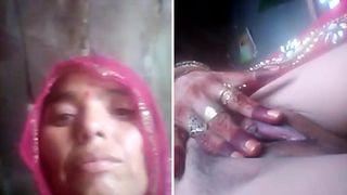 Stunning hot Paki aunty leaked nudes onlane