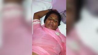 Busty milf aunty Pakistani XXX nude and sex selfie MMS video