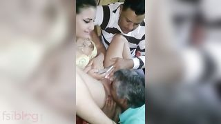 Indian sexy secretary gifting boss the best pussy for retirement
