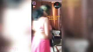 Big boobs Tamil anty exposing her boobs on cam