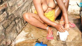 Indian Desi Aunty Topless Outdoor Bath Capture Radhika Bhabhi