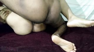 Hairy Pussy Queen Sonali Fucked hard By tenant – cum on pussy