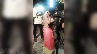 Desi hotty topless dance show