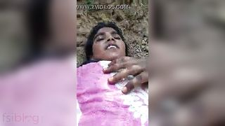 Village outdoor sex MMS shared online