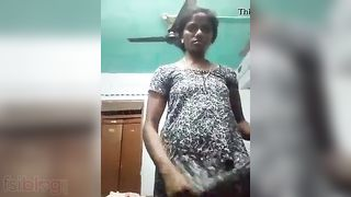 Topless Bengali angel MMS phone sex movie with audio