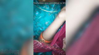 Dehati cum-hole porn clip of Dehati bhabhi exposing her pussy